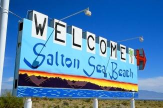 Salton-Sea-Beach-sign